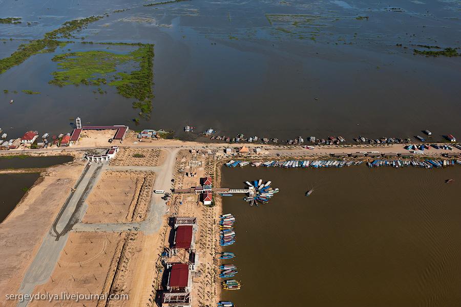 2865 Angkor Wat dari helikopter