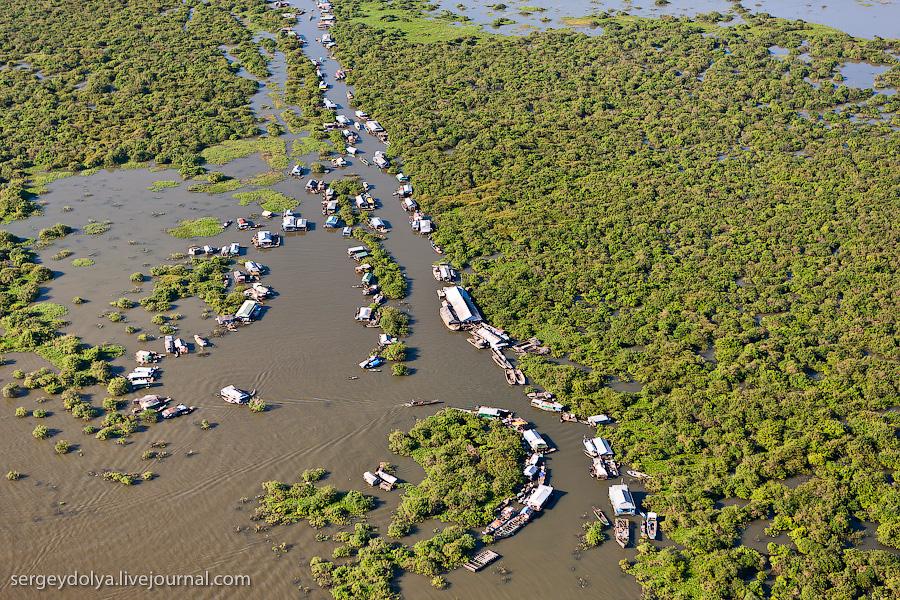 3362 Angkor Wat dari helikopter