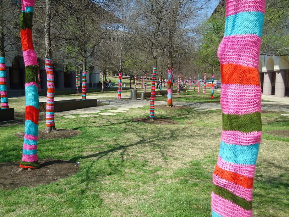 3648 Urban knitting   Шерстяной стритарт