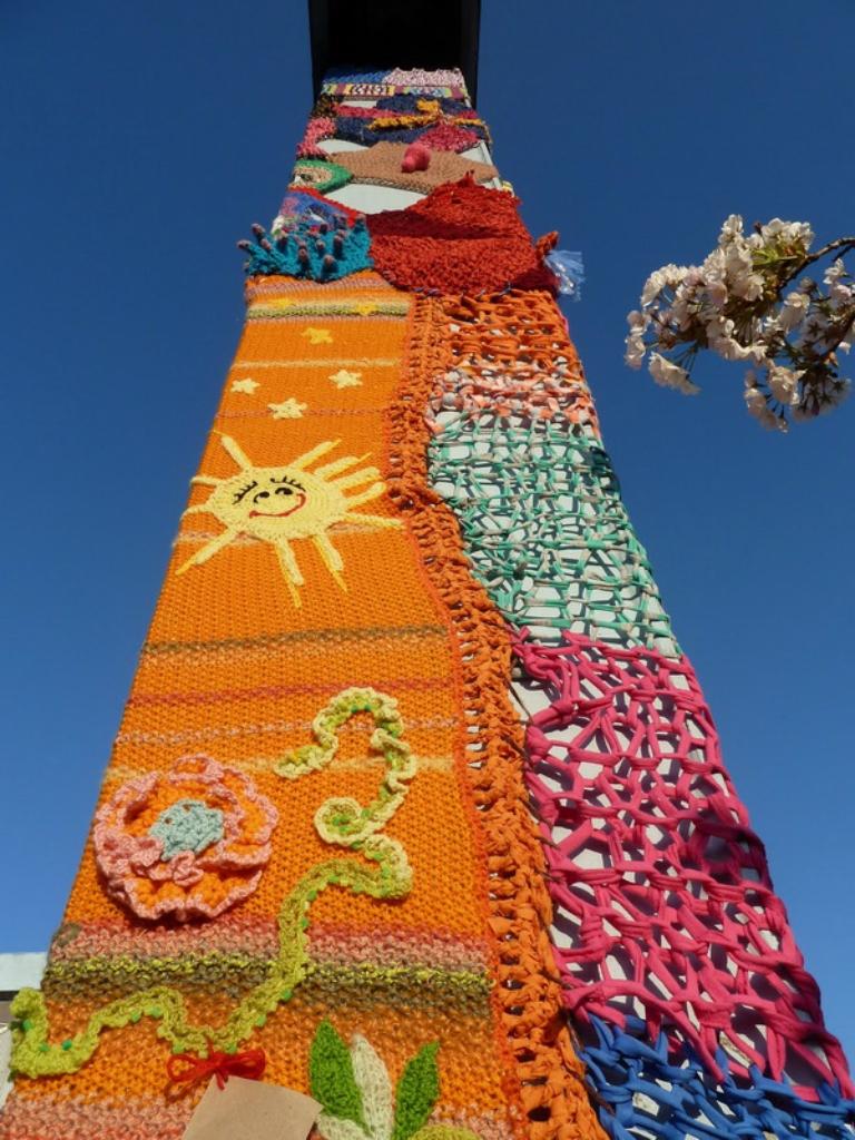 3743 Urban knitting   Шерстяной стритарт