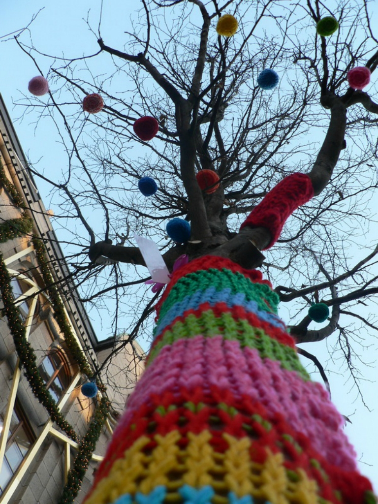 4035 Urban knitting   Шерстяной стритарт