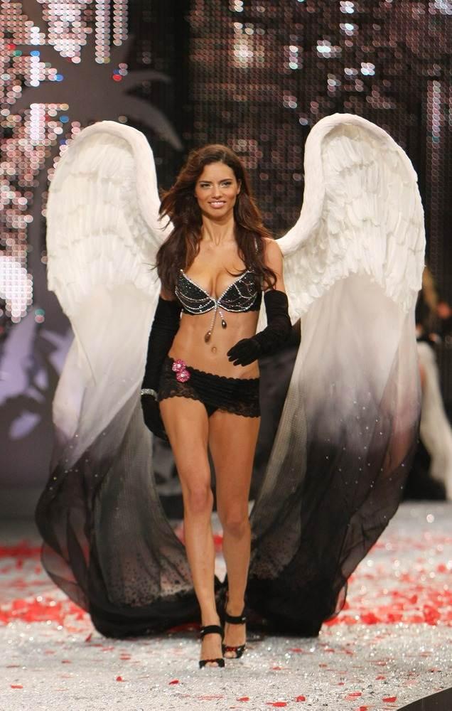 4144 Фантастические бюстгальтеры Victoria's Secret за 10 лет