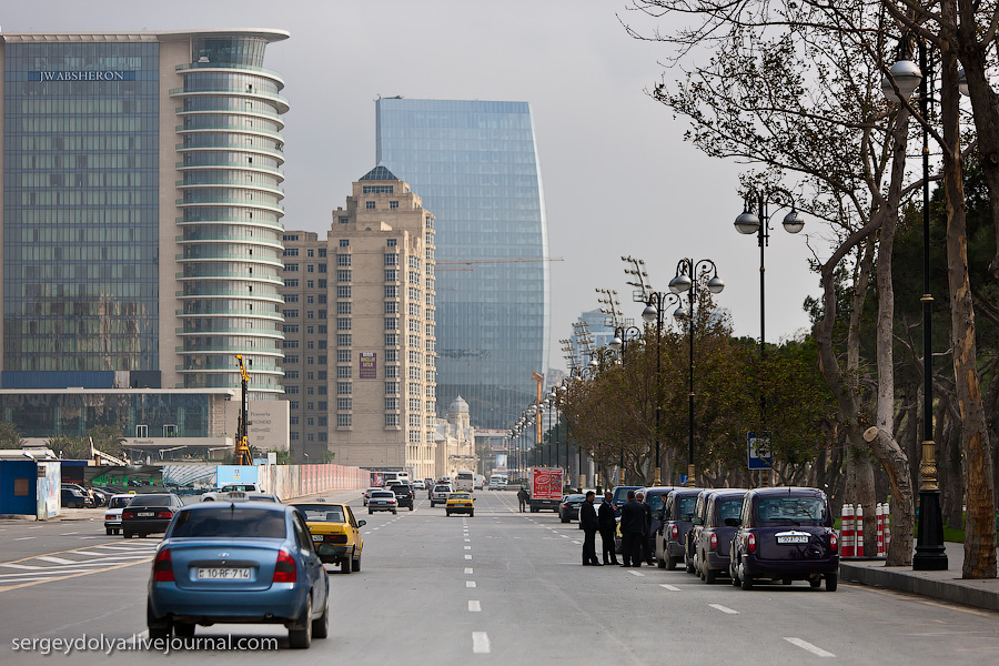 4201 Современный Баку