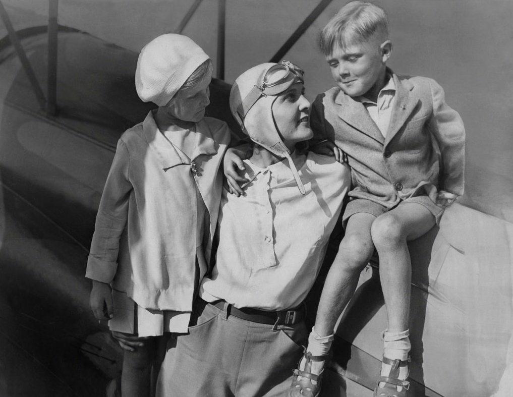 5129 Женщины пилоты прошлого