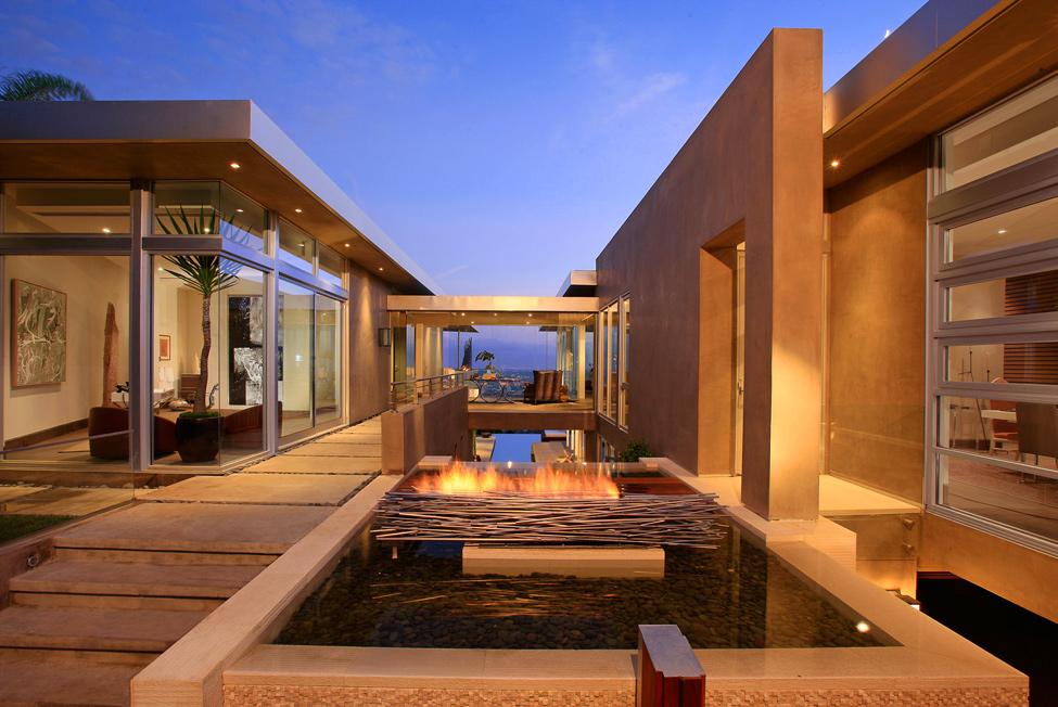 570 Blue Jay Way Residence от McClean Design – красивая жизнь в красивом особняке