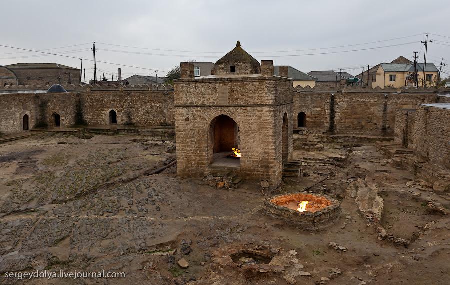 6164 Современный Баку