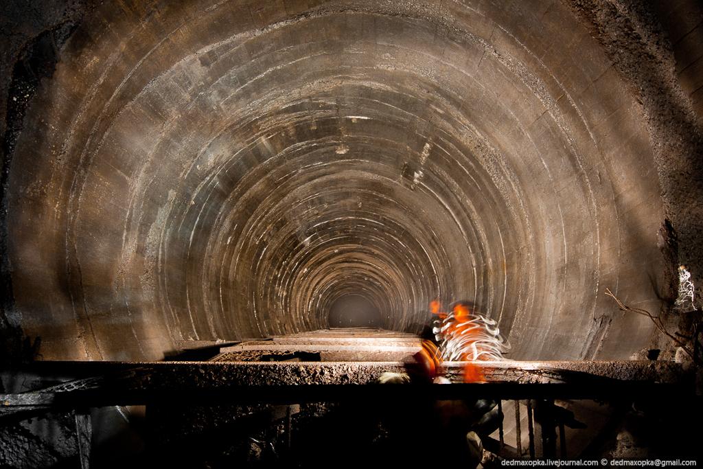 Tambang bijih Ditinggalkan 7118 besi