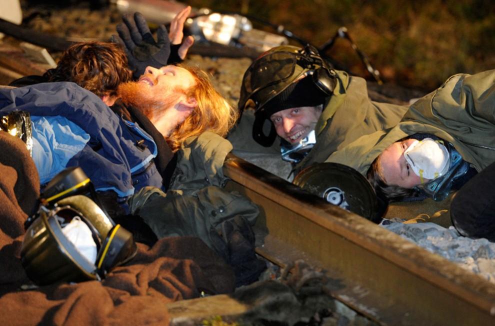 9175 990x652 Protes terhadap pengangkutan limbah nuklir