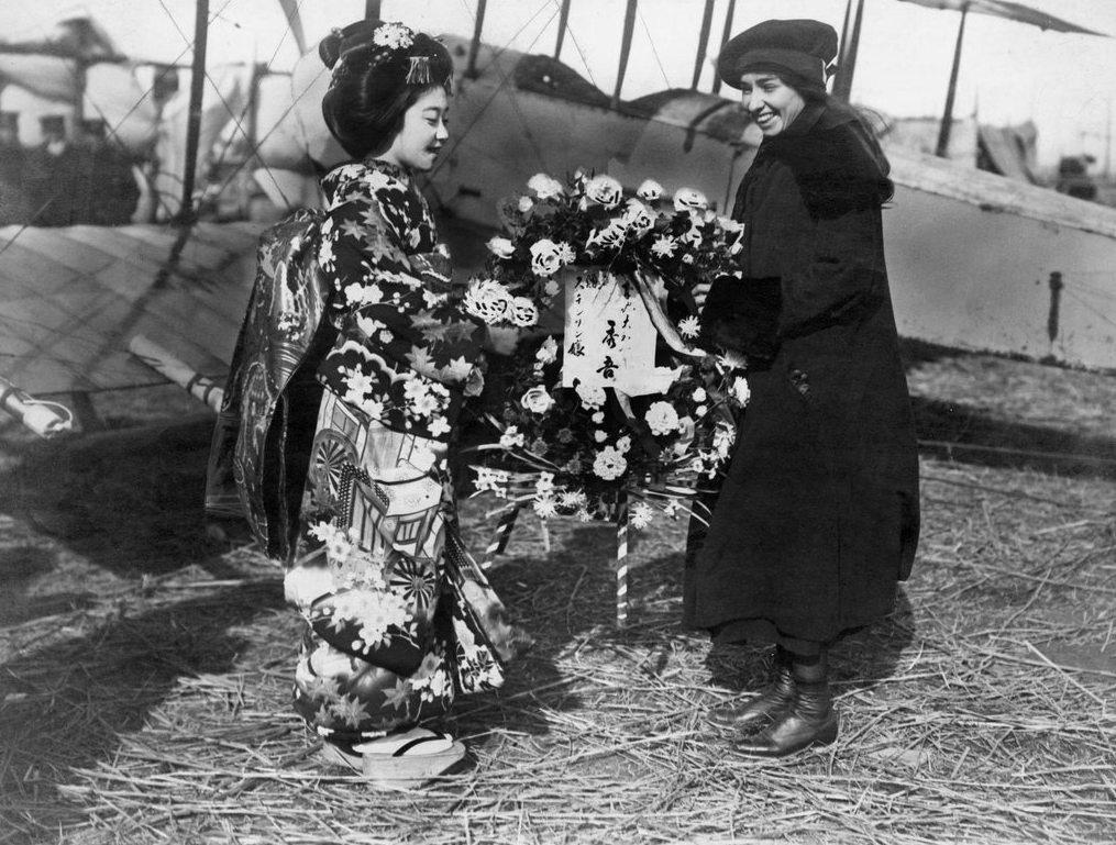 993 Женщины пилоты прошлого