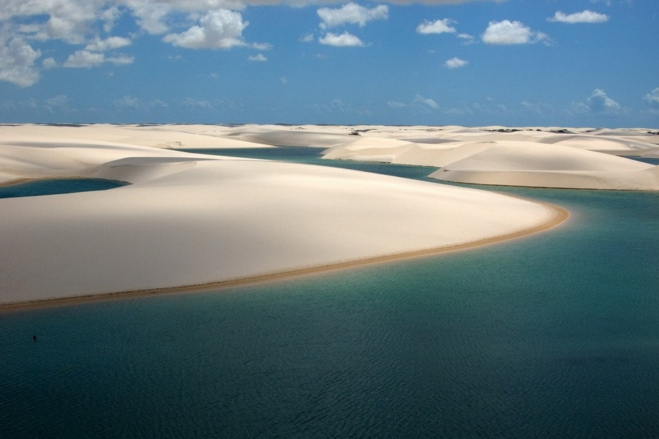 VCKwj000 Простыни Мараньяна: Белые пески Lencois Maranhenses Бразилии