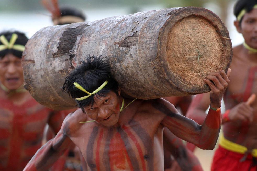 01 brazil adat penduduk asli Amerika Permainan