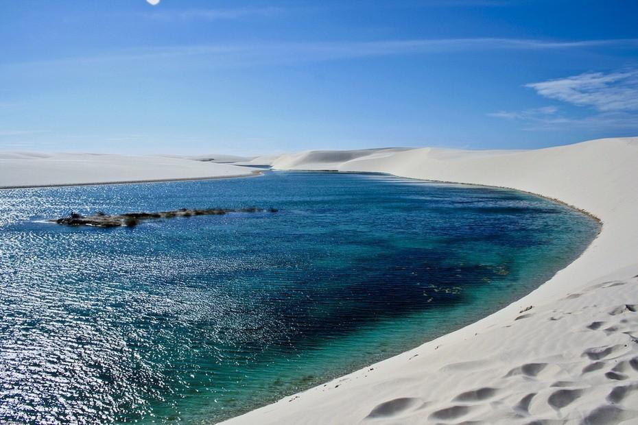 ijELg000 Простыни Мараньяна: Белые пески Lencois Maranhenses Бразилии