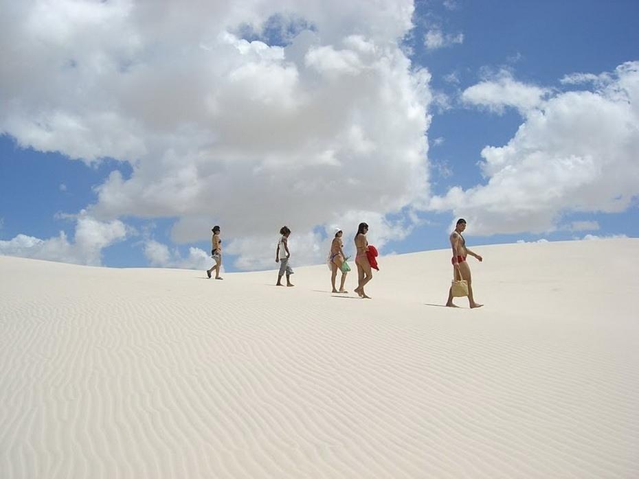 lchtD000 Простыни Мараньяна: Белые пески Lencois Maranhenses Бразилии