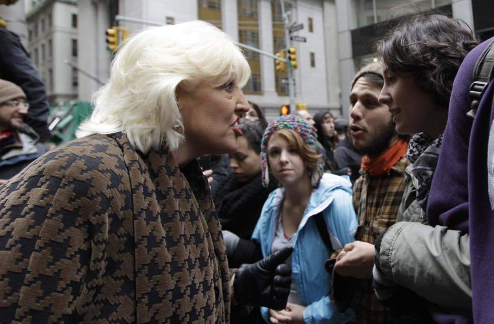 "menempati ulang tahun 07 Penangkapan ""penyerbu Wall Street"" di seluruh dunia"