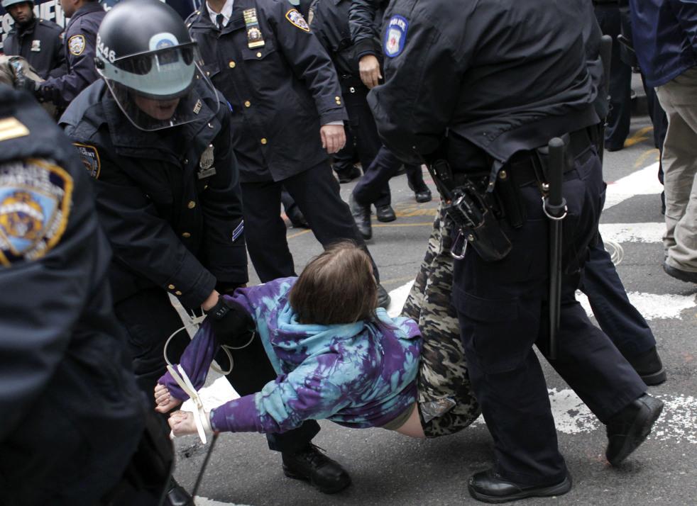 """menempati peringatan 11 Penangkapan """"penyerbu Wall Street"""" di seluruh dunia"""