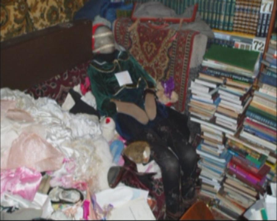 pb 111 108 mayat jb 01.photoblog900 sejarah lokal berkumpul dalam koleksi apartemennya tubuh perempuan