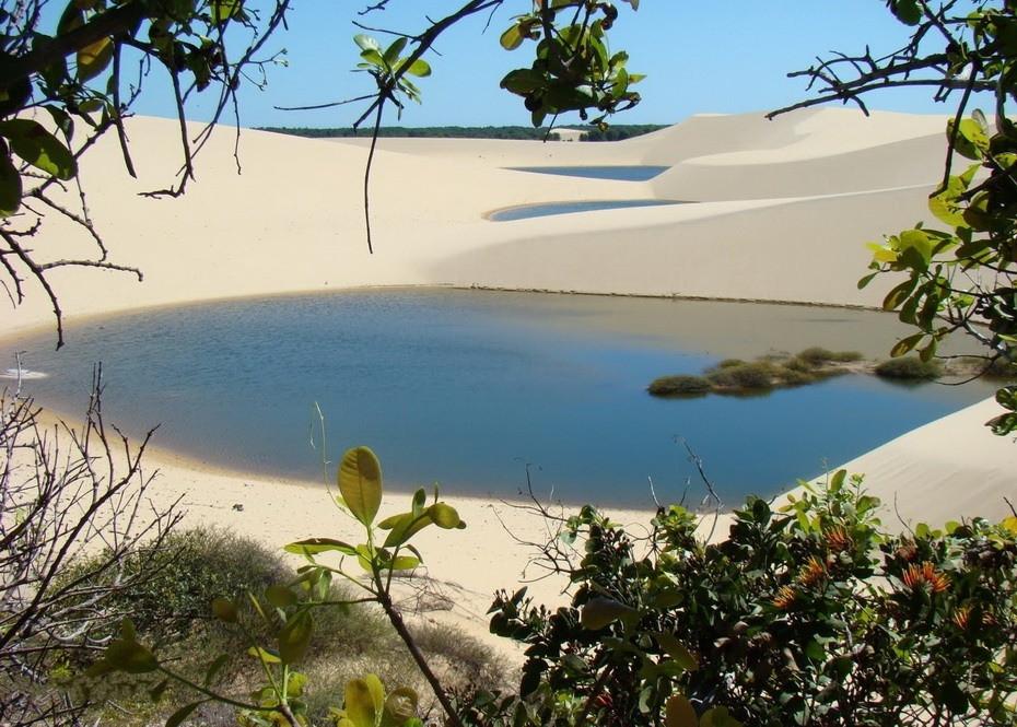 rJLGm000 Простыни Мараньяна: Белые пески Lencois Maranhenses Бразилии