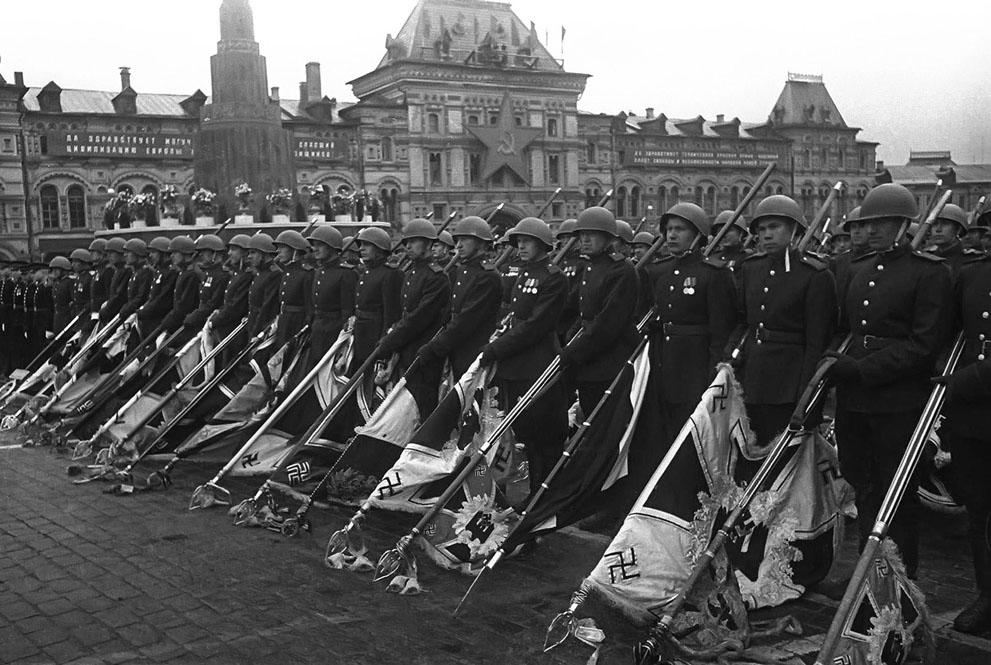 s w02 htandart Вторая мировая война: Послевоенный период (Часть 20)