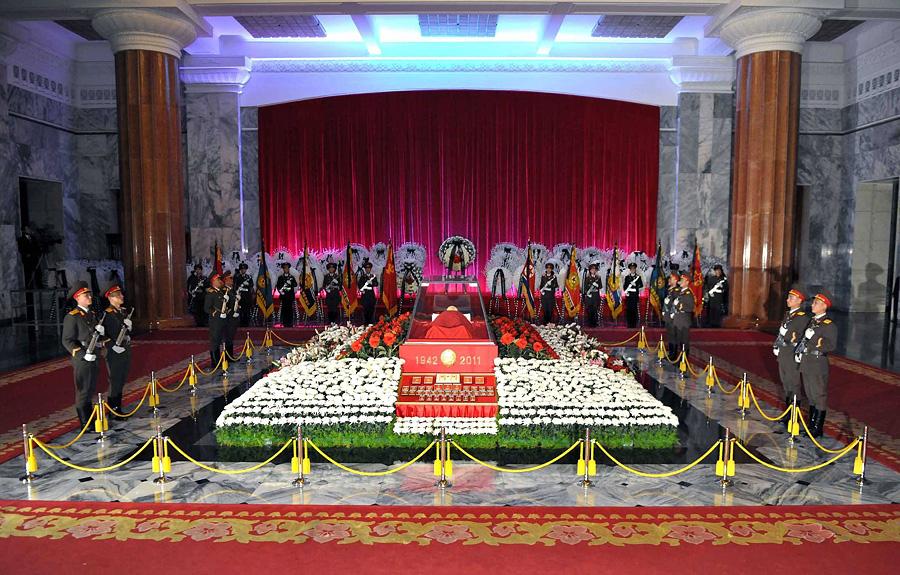 0010 В Пхеньяне проходит церемония похорон Ким Чен Ира