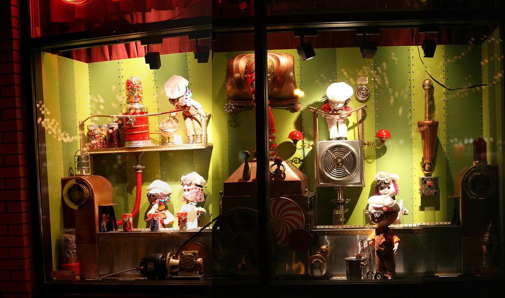 1044 Праздничные витрины западных магазинов