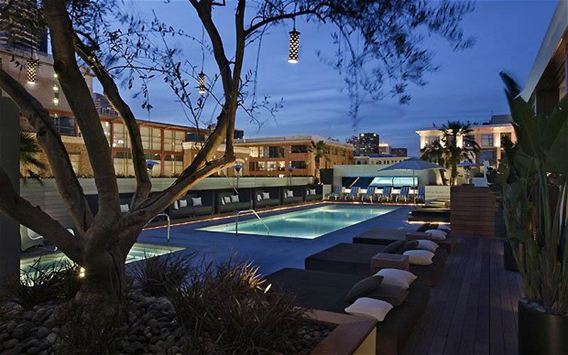 105 Terkenal Hotel