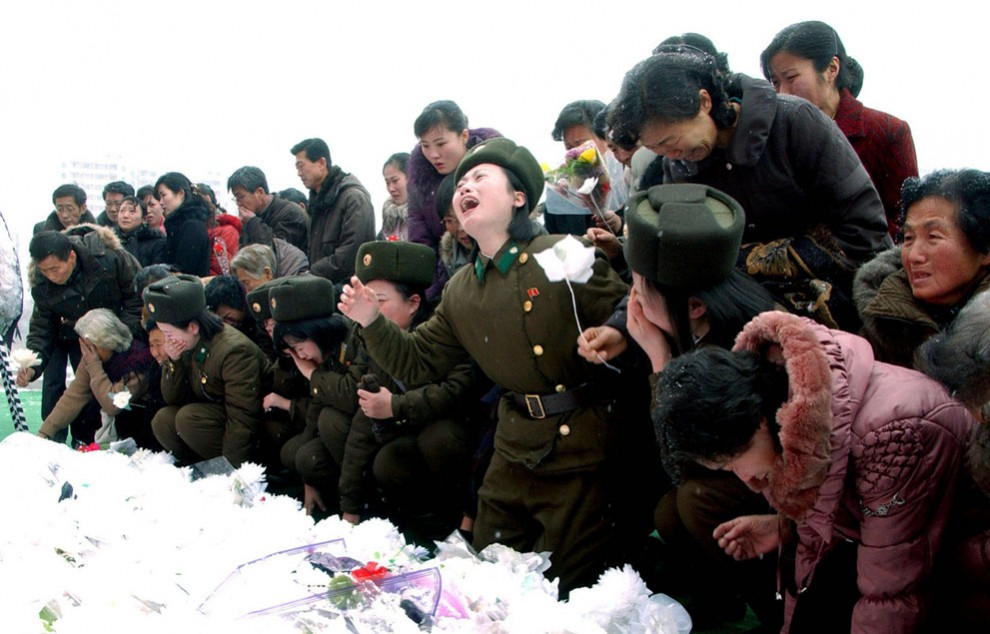 11190 990x634 Северная Корея простилась с Ким Чен Иром