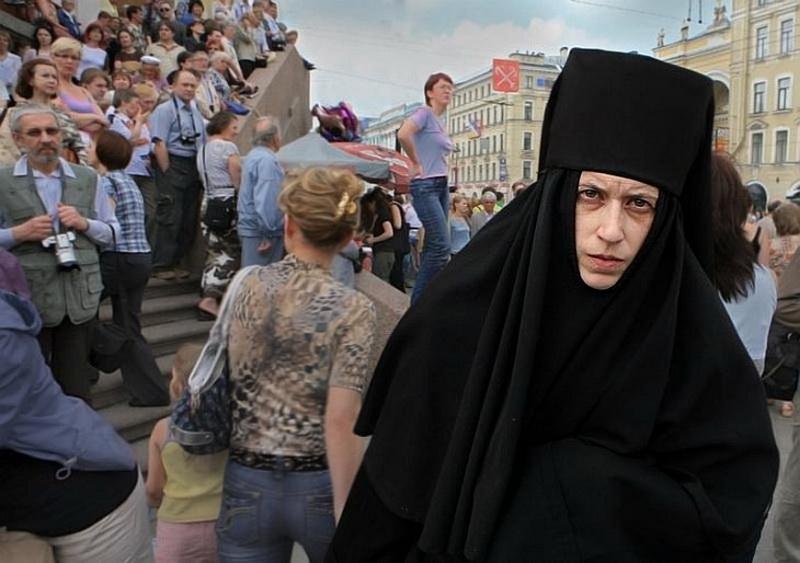 1201 Сцены из российской жизни глазами Александра Петросяна