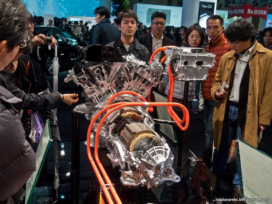 12127 Япония: Двигатели и другие детали