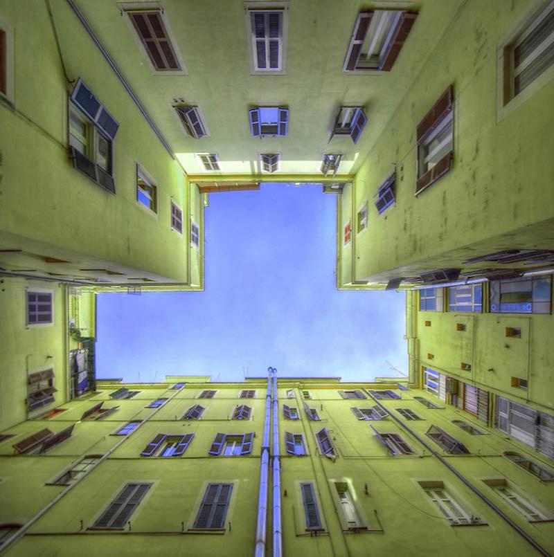 12146 Небо в архитектурной рамке