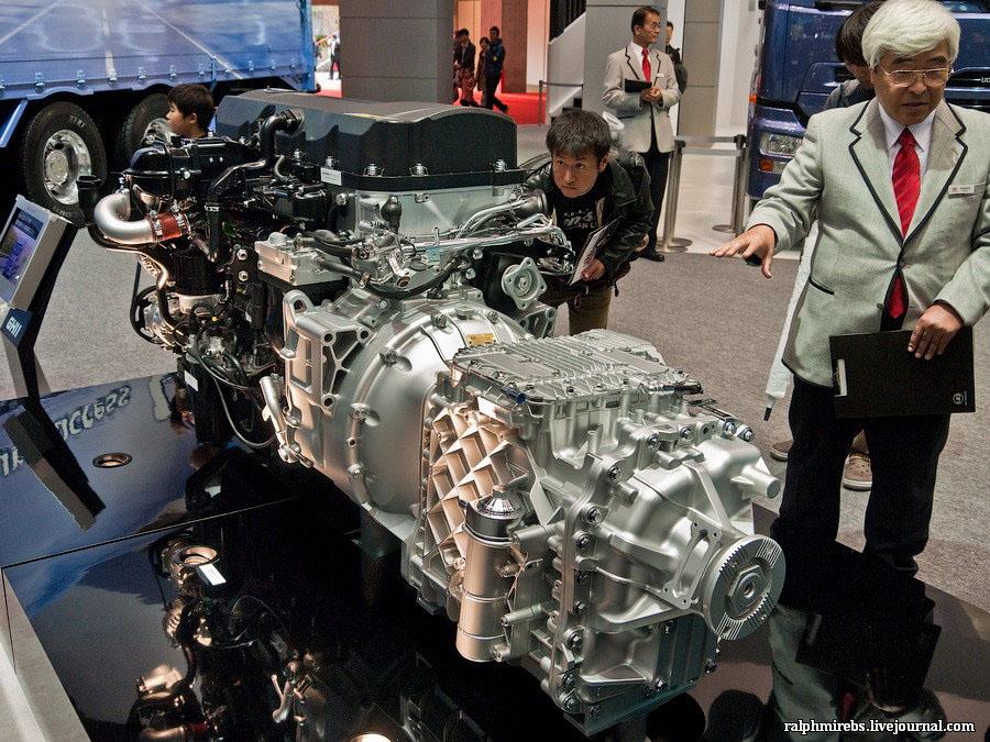 13111 Япония: Двигатели и другие детали
