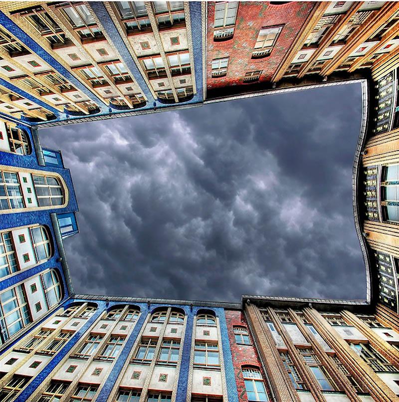 13130 Небо в архитектурной рамке