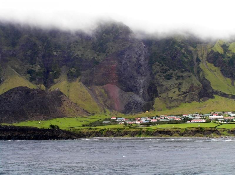 14121 800x598 Остров Тристан да Кунья: Жизнь в центре океана