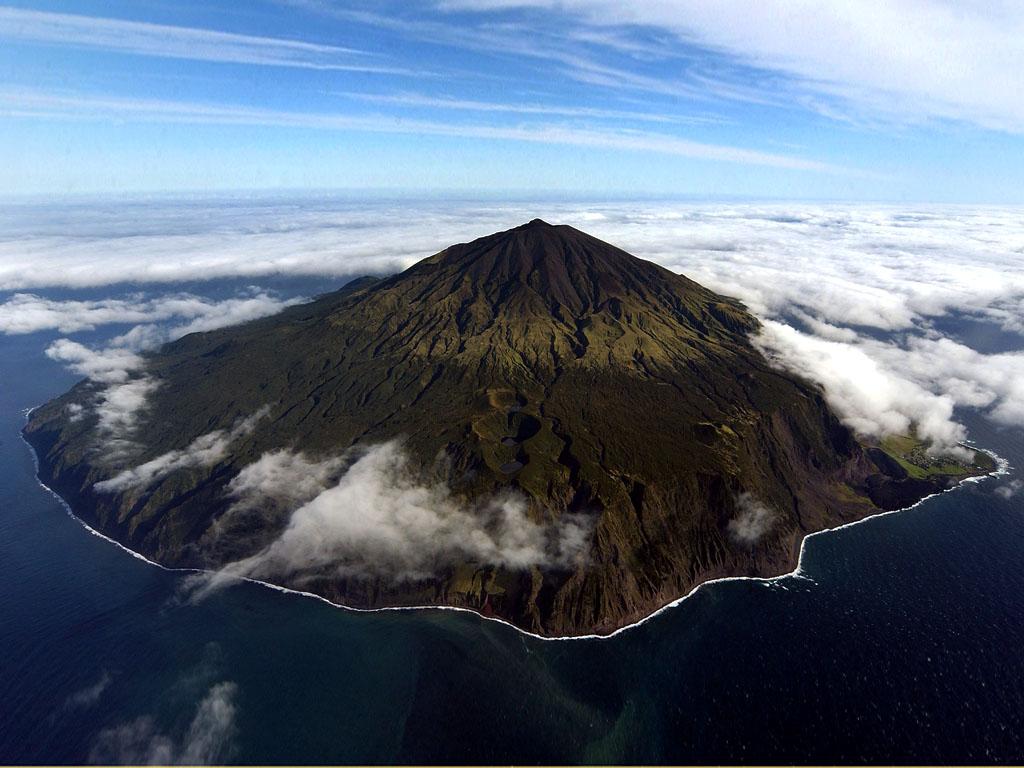 1700 Остров Тристан да Кунья: Жизнь в центре океана