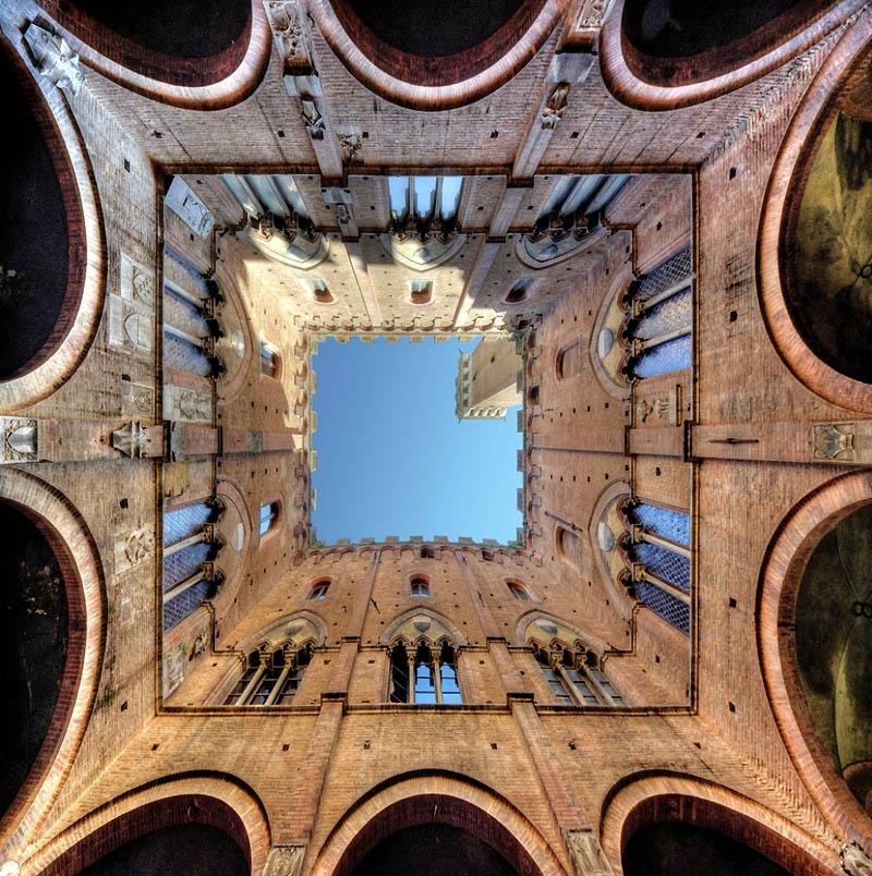 1983 Небо в архитектурной рамке