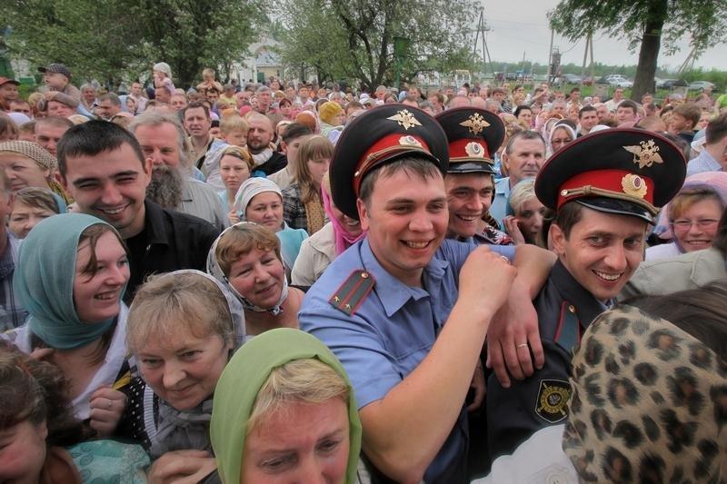 2030 Сцены из российской жизни глазами Александра Петросяна