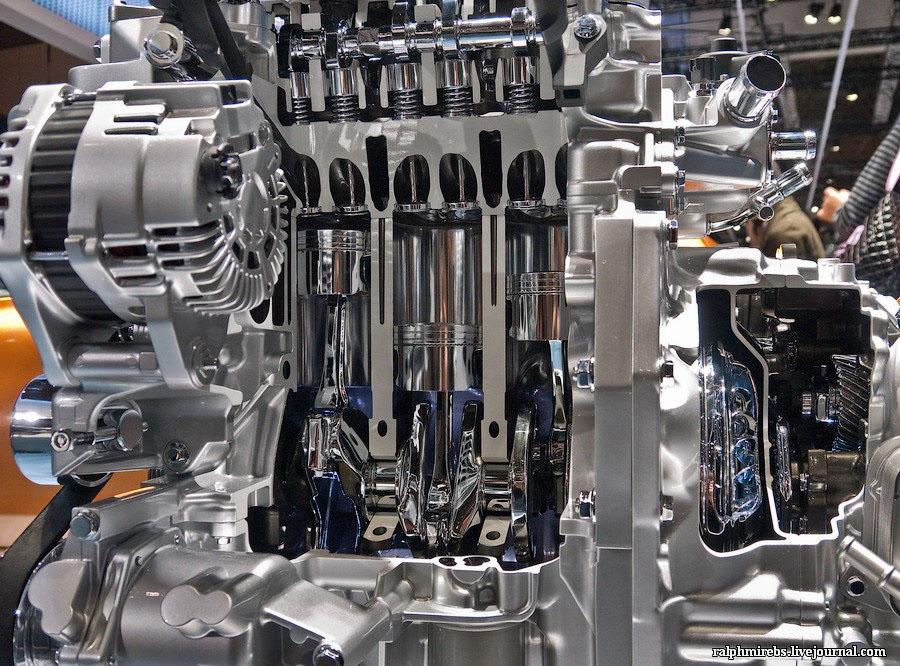 2064 Япония: Двигатели и другие детали