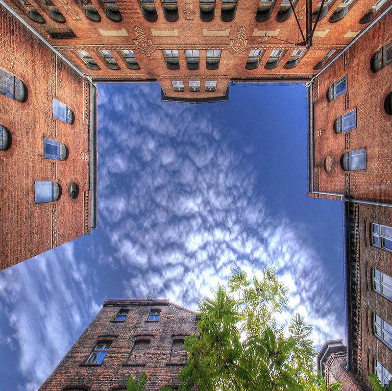 2082 Небо в архитектурной рамке