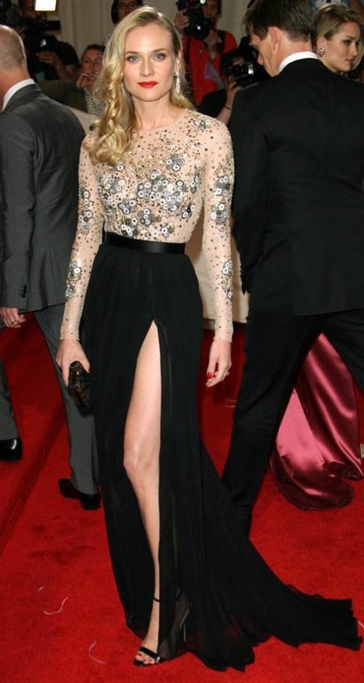 226 528x990 самые красивые платья 2011 года