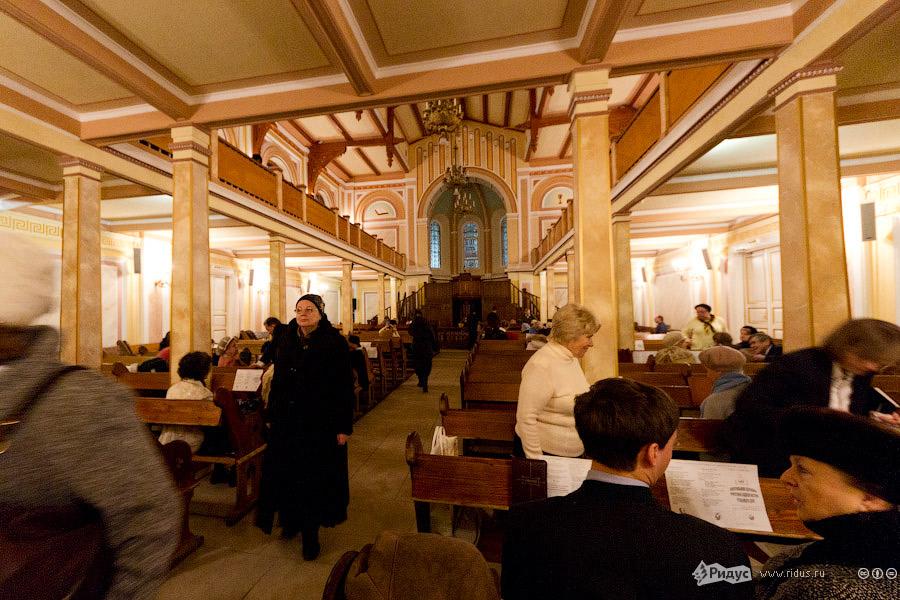 2304 Инославные церкви Москвы