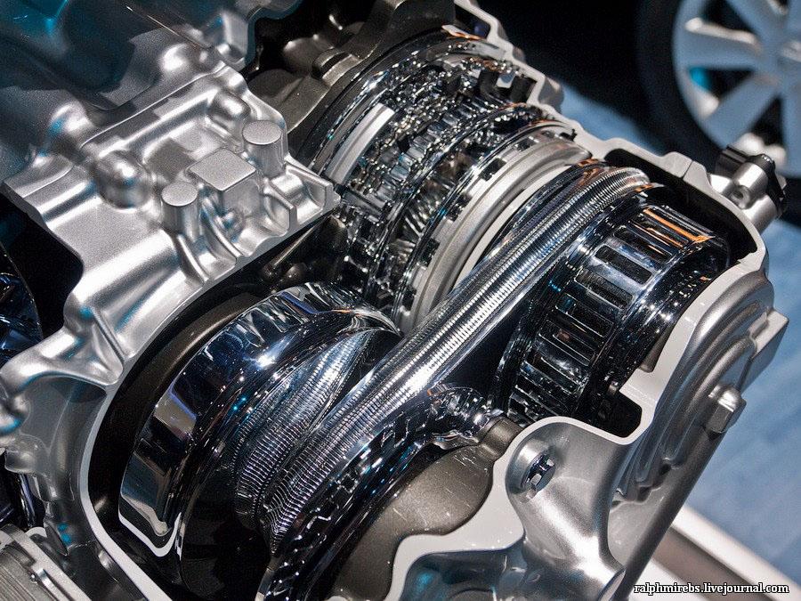 2355 Япония: Двигатели и другие детали