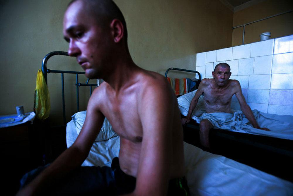 2564 Украина: секс, наркомания, бедность и СПИД в 2011 году