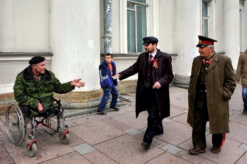 2921 Сцены из российской жизни глазами Александра Петросяна