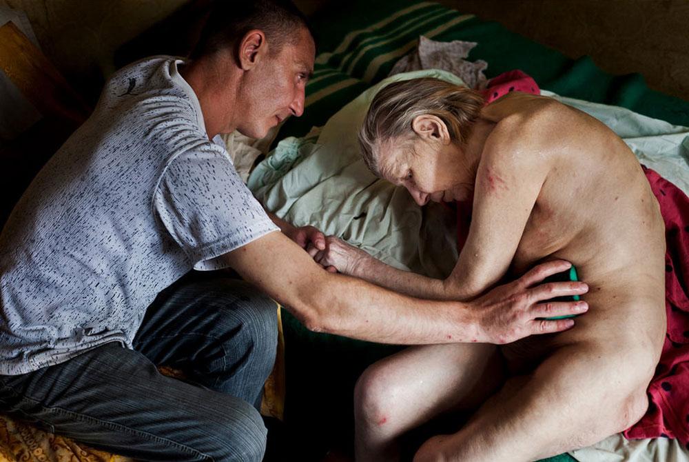 3543 Украина: секс, наркомания, бедность и СПИД в 2011 году