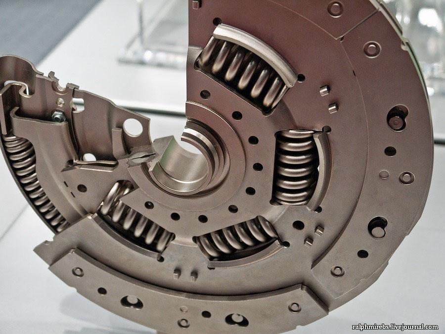 3631 Япония: Двигатели и другие детали
