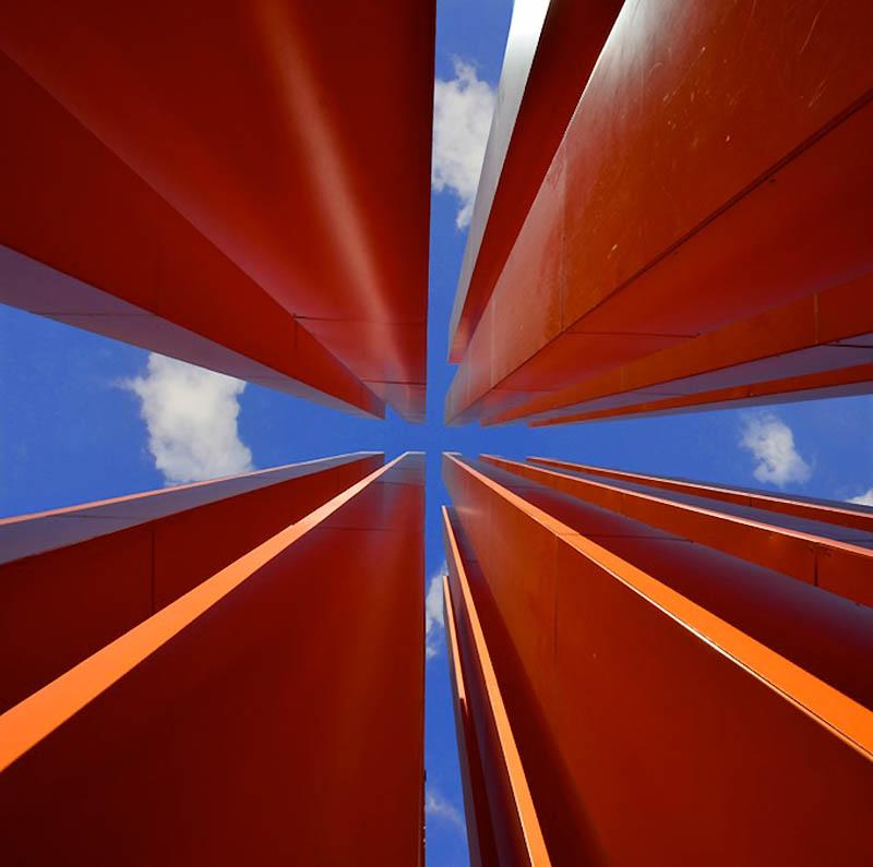 4199 Небо в архитектурной рамке