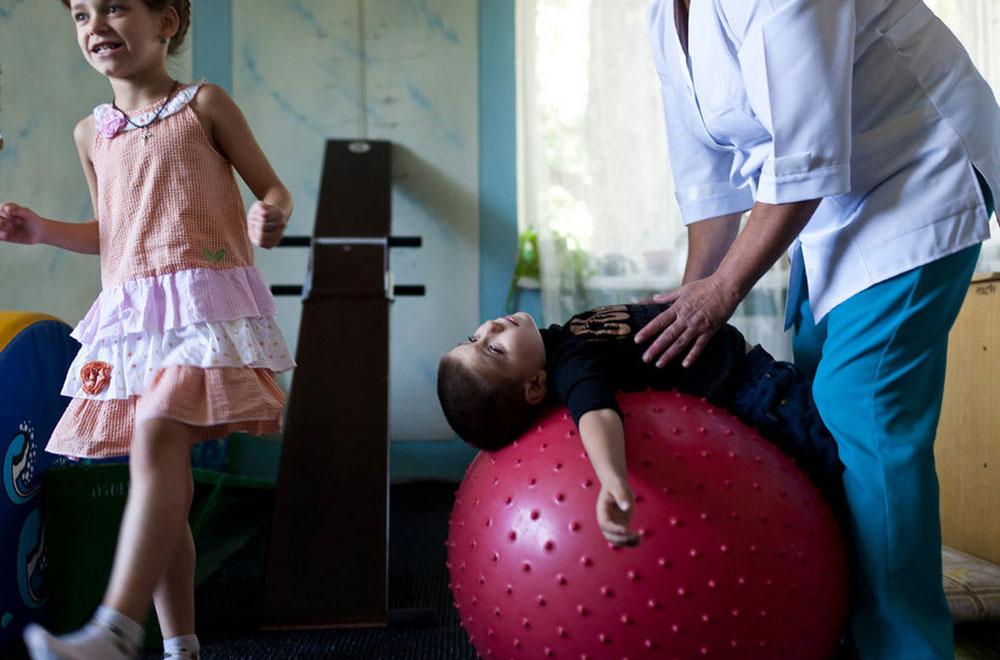 4618 Украина: секс, наркомания, бедность и СПИД в 2011 году