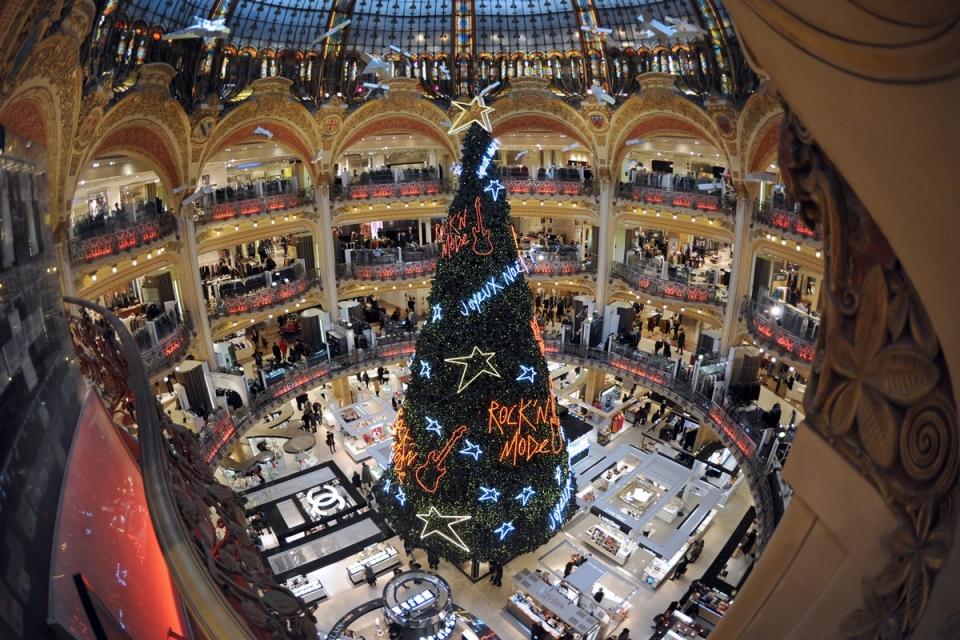 6133 Рождественские елки со всего мира