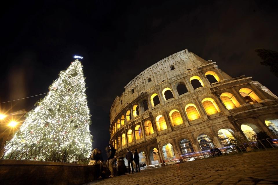 7130 Рождественские елки со всего мира