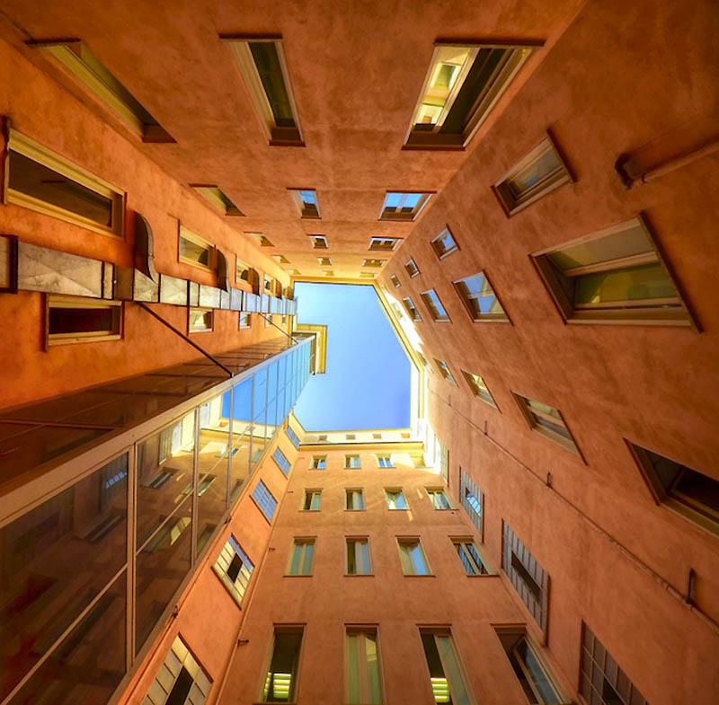 7134 Небо в архитектурной рамке