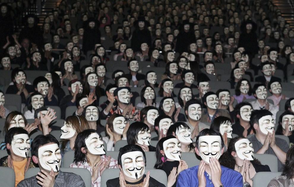 8121 Анонимы со всего света